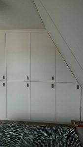 Boskei-kast-met-schuine-wand